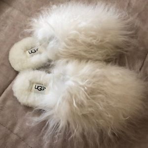 Ugg fluffy slippers